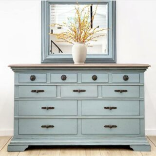 Wednesday's #zibraweeklypick is by @markethouserestorations - Fallon finished this piece for a friend and used Champness by @fusionmineralpaint. We love all the changes made and the results. Nice work, Fallon! #furniturerefinishing #refinishedfurniture #painteddresser #antiquedresser #transformation #enjoypainting #vintagefurniture #paintedmakeover #paintedfurniture #homedecor #furniture #homeinterior #decor #paintedrestoration #furniturepaint #interiorfurniture #furniturerefreshed #zibraweeklypick