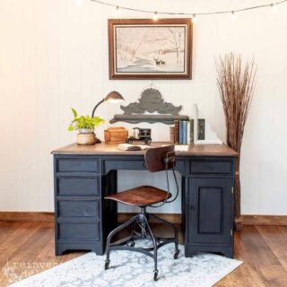 Monday's #zibraweeklypick is by @reinventeddelaware - Cindy bought this old desk and refinished it with @mmsmilkpaint - and . . . it turned out great! Nice job, Cindy! #furniturerefinishing #desk #antiquedesk #refurbishedpieces #transformation #enjoypainting #vintagedesk #antiquefurniture #paintedfurniture #furniture #homeinterior #antquedresser #paintedrestoration #vintagestyle #reinventeddelaware #mmsmilkepaint #zibraweeklypick